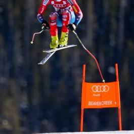 Flyin' High: Speed skiers catch crazy air